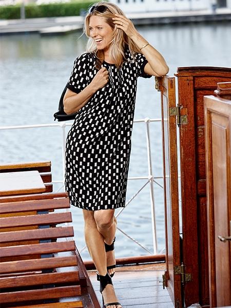 signature klänning med grafiskt tryck